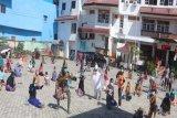 98 warga positif COVID-19 di Jayapura melakukan olahraga bersama