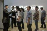 Di Jakarta, masyarakat belum tertarik ke mal karena COVID-19 masih mewabah