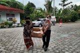 Mantan Wakapolres Kulon Progo berikan bantuan sembako ke Panti Asuhan Ibnu Fattah