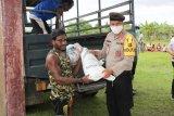 Polres Merauke distribusikan bantuan beras dari Mabes Polri ke warga