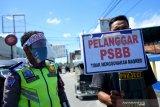 Gelar aksi unjuk rasa saat PSBB, empat pemuda diancam empat bulan penjara