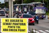 Kebijakan larangan mudik berdampak pada sektor transportasi dan pariwisata