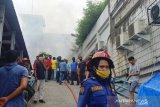 Kebakaran landa Kopasplaza Pasar Raya Padang, ini penyebabnya (Video)