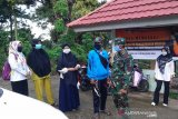 Tim Gugus Bantaeng sosialisasi penggunaan masker di pasar tradisional