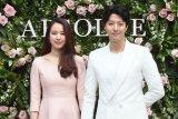 Cho Youn-hee dan Lee Dong-gun bercerai di tengah pandemi corona