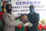 Binmas Polda Papua berikan 600 sembako kepada perkumpulan disabilitas