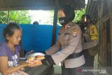 Polres Lombok Barat menyalurkan 10 ton beras bantuan Polri