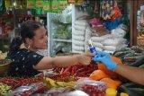 Sahabat Lestari bagikan masker di pasar tradisional Demak, Kudus, dan Jepara
