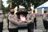 Polresta Mataram menyalurkan 9 ton beras untuk warga terdampak COVID-19