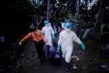 Tim SAR evakuasi jasad korban tenggelam di sungai