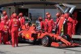 Jelang musim F1, Mercedes dan Ferrari siapkan tes privat