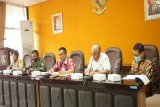 Gugus tugas penyelidikan epidemologi  2 pasien baru Magelang