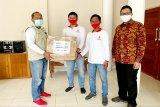 Relawan COVID-19 Indonesia Bersatu Binda Kalteng serahkan bantuan untuk tenaga medis
