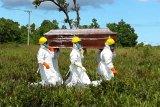 TNI bantu pemakaman pasien menggunakan protokol kesehatan di Sukamara