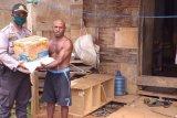 100 KK warga pedalaman Boven Digoel terima beras dari Mabes Polri
