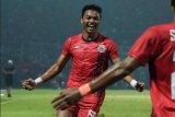 Bek sayap Persija Jakarta Alfath Faathier pertama kali beli jersey milik Barcelona
