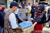 TP-PKK Banyumas salurkan bantuan tahu bagi warga terdampak COVID-19