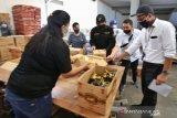 Pemprov Kepri bagikan 284.233 paket sembako di Batam