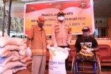 Polresta Jayapura salurkan bantuan beras dari Mabes Polri ke warga terdampak COVID-19