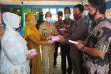 Tak hanya serap aspirasi, DPRD Kalteng manfaatkan reses salurkan APD