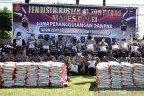 Polres Agam salurkan 10 ton beras bagi warga terdampak COVID-19