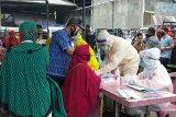 Antisipasi COVID-19. 106 warga Pasar Sapuran Wonosobo jalani tes cepat