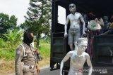 Satpol PP amankan sejumlah 'manusia silver' hingga gelandangan dan pengemis