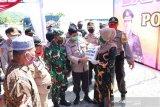 Polda Sulteng bantu 600 KK warga Donggala terdampak COVID-19