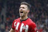 Southampton resmi memperpanjang kontrak Shane Long