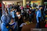 Penumpang penerbangan LN wajib uji swab, domestik cukup tes cepat