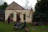Angin puting beliung terjang Desa Braja Indah Lampung Timur