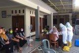 329 warga Kudus diduga kontak erat pasien COVID-19 jalani swab