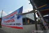 PASAR PETERONGAN JOMBANG DITUTUP SEMENTARA. Kondisi pasar tradisonal Peterongan, Kabupaten Jombang, Jawa Timur, Jumat (5/6/2020). Pemerintah Kabupaten Jombang melakukan penutupan sementara operasional Pasar Peterongan hingga Sabtu (6/6/2020), ini dilakukan setelah salah satu pedagang di pasar tersebut dinyatakan positif Covid-19. Antara Jatim/Syaiful Arif/zk
