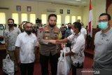 Kapolda NTB menyampaikan salam perkenalan kepada warga Sumbawa