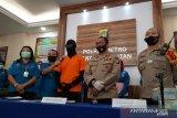 Polisi masih tahan artis Dwi Sasono