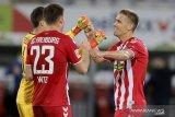 Gol tunggal Petersen jaga asa Liga Europa Freiburg