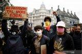 Demonstran antirasisme di Inggris bentrok dengan polisi