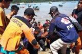 Nelayan tenggelam di Pantai Carocok Painan ditemukan meninggal dunia