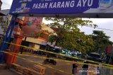 Pasar Karangayu Semarang ditutup karena ada pedagang positif COVID-19