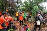 Tim SAR temukan lima warga tersesat di hutan Salura Soroako