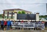 Sidang perdana jurnalis Diananta, diwarnai aksi solidaritas wartawan