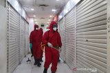Damkar DKI kembali mendisinfeksi Pasar Senen