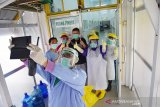 Sempat swafoto bareng perawat, Kadis PU Natuna sembuh dari COVID-19 di RSUD Arifin Achmad