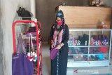Perajin tas rajut di Kulon Progo beralih produksi masker