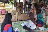 Di Konawe Utara, guru keliling mengajar ke rumah siswa