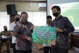 Muba salurkan bantuan sosial tunai untuk 883 mahasiswa