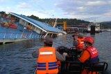 Bakamla evakuasi 66 penumpang KMP Dharma Rucitra III