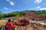 Tiga korban longsor Desa Rumbia Jeneponto belum ditemukan