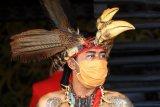 Prajurit Merah Suku Dayak Siaga Sidang Hukum Adat Kasus Ujaran Kebencian