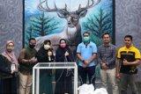 Berdayakan penghuni rutan, Komunitas Pekanbaru Charity Sumbangkan Bilik Swab ke Puskesmas Simpang Tiga di Pekanbaru (Video)
